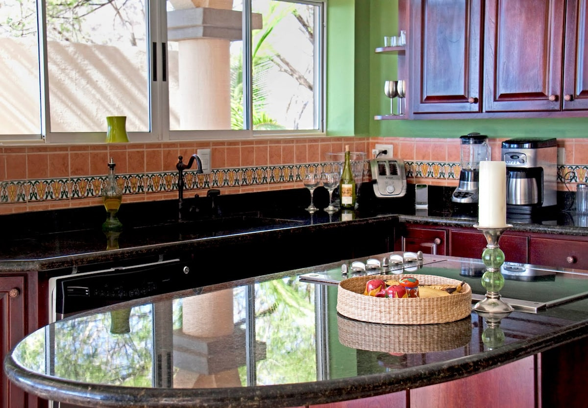 A fully-equipped kitchen makes it easy to stay at the house for meals, even though some of Costa Rica's best restaurants are only steps away!