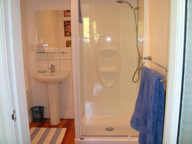 Both rooms with ensuite (toilet, basin and shower stall).