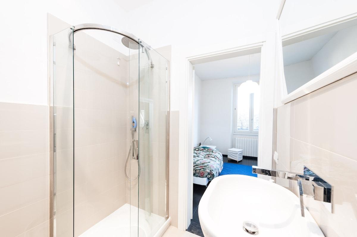 Duomo Great Room Private Bathroom