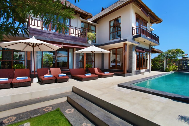 Balangan Pantai Villa boasts not only a great location but beautiful views along with the comfort and luxury of home.