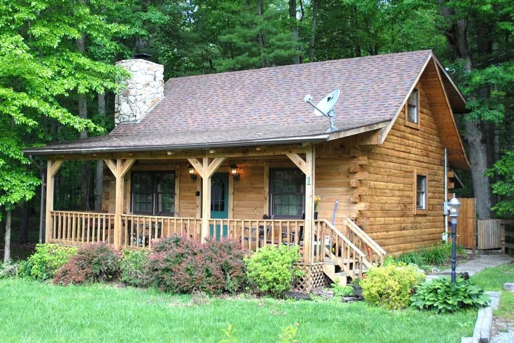 The Whitetail. A cozy log cabin - Pipestem - Casa