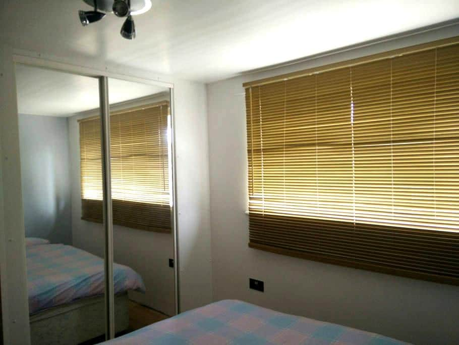 King size double bed parking - Potters Bar