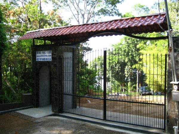 Private gated access - If you are already here, call, SMS or email to rent it