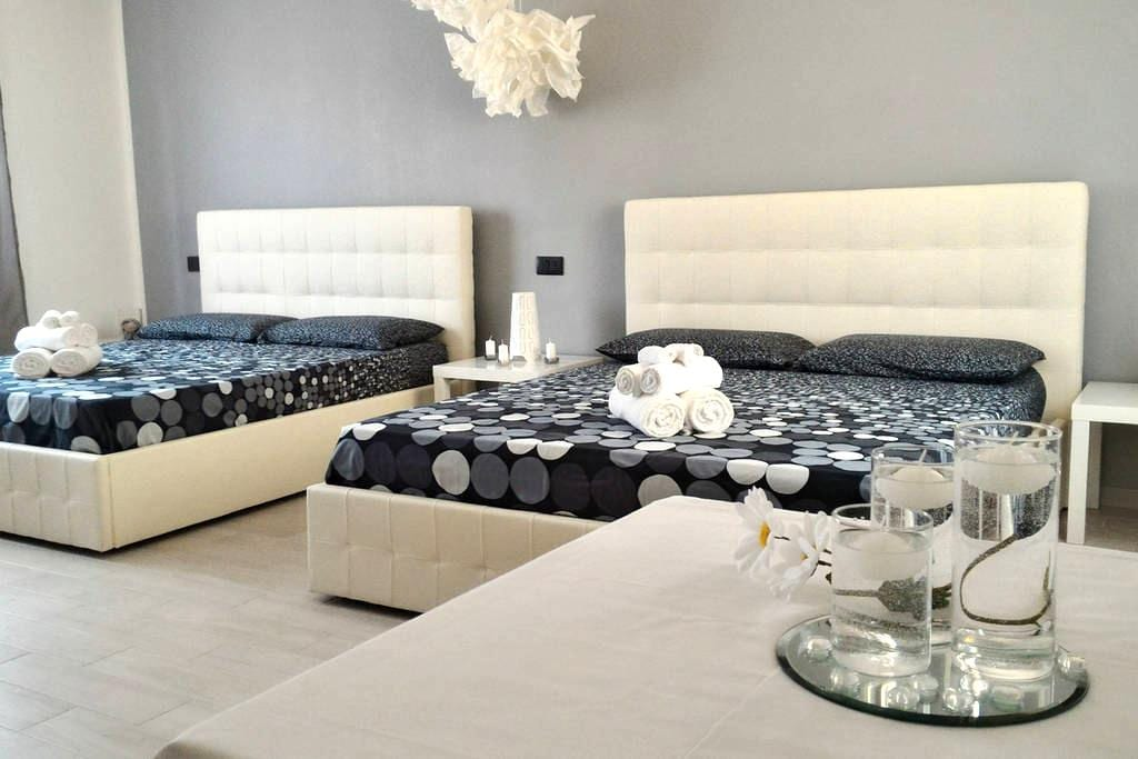 Sweet House Family Room - Cavallasca - Bed & Breakfast