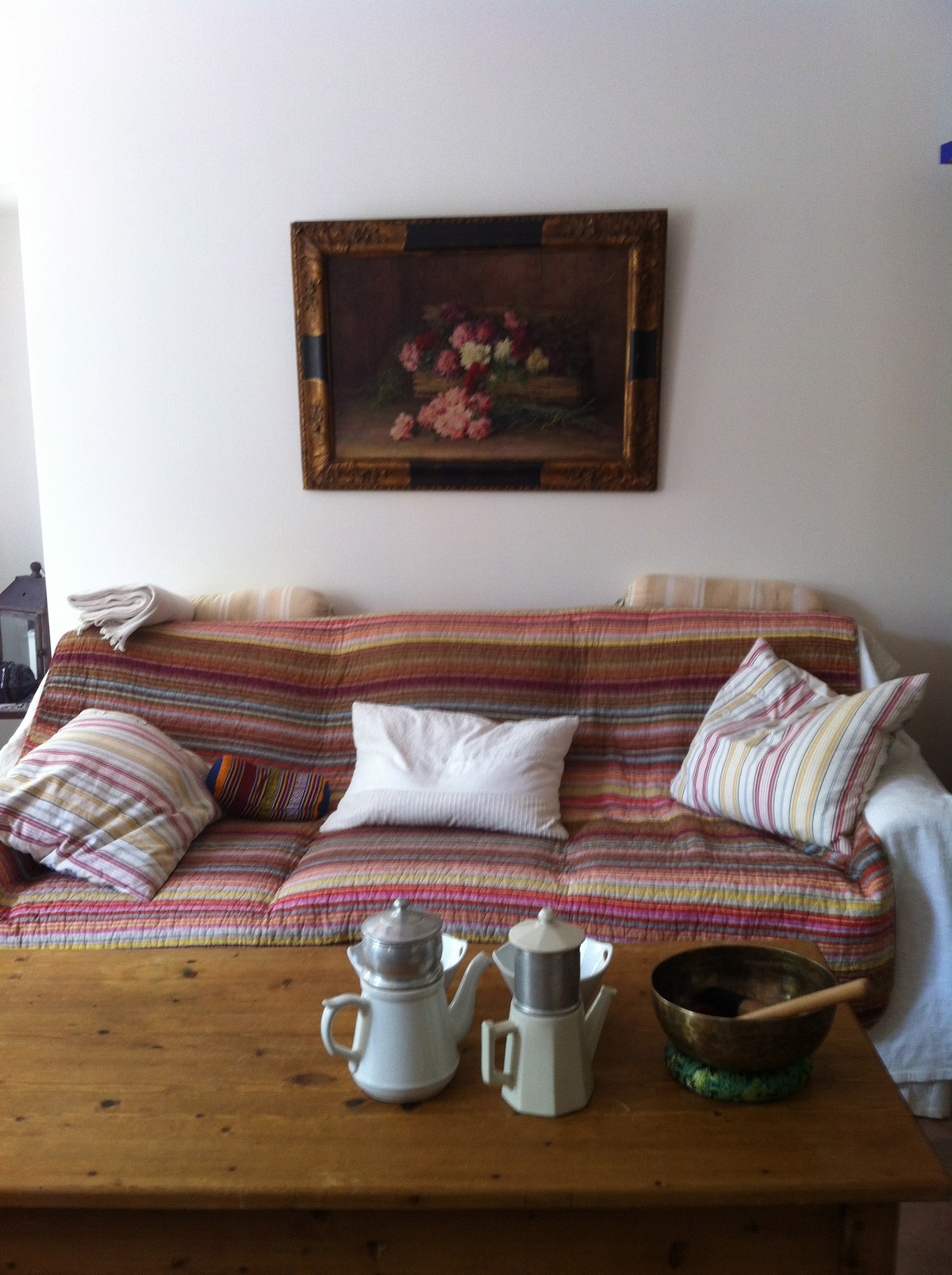 Sofa bed for 2 persons in the living area downstairs