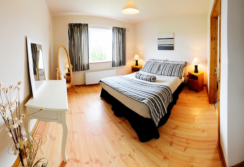 main bedroom with ensuite facilities attached