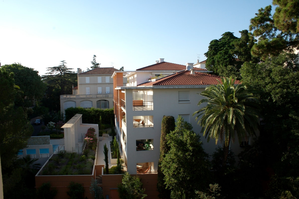 La vue depuis les chambres / The view from the bedrooms
