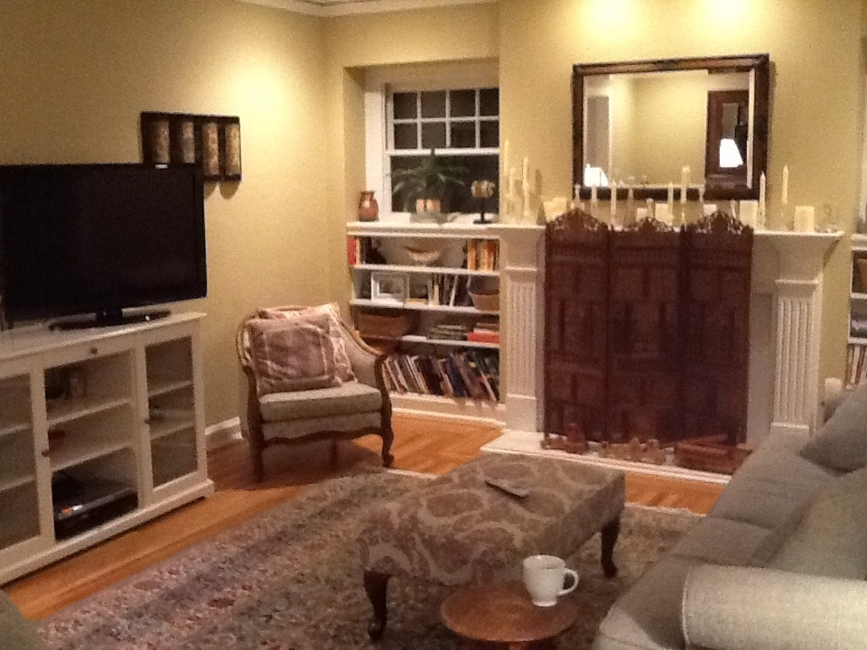 Spacious, warm living room.  Flat screen TV, ROKU, DVD and basic cable.