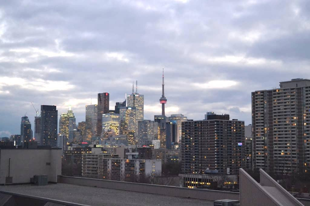 Cozy Condo in DT Toronto w/ Amazing View +Parking - Toronto - Wohnung