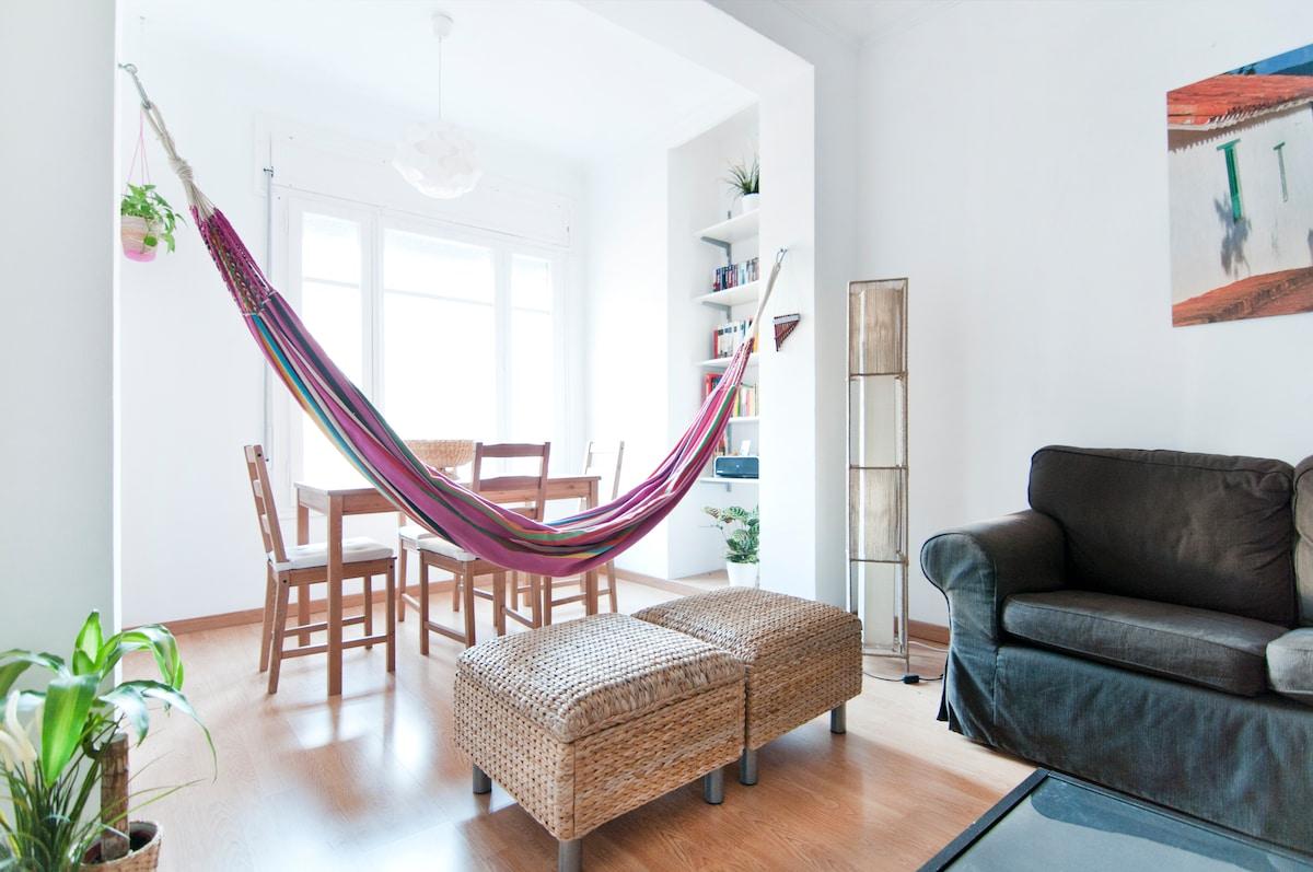 Double room in bohemian Barcelona