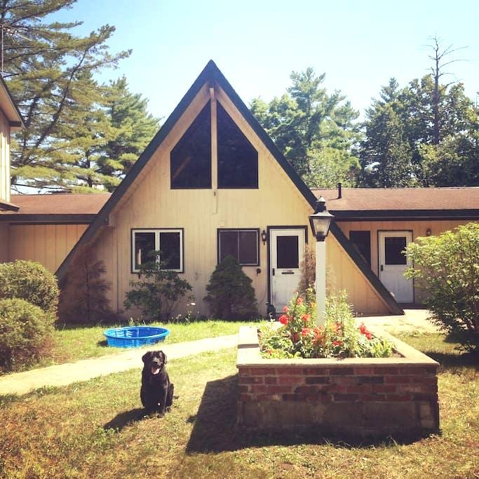 Granite Hill Lodge - Fort Ann