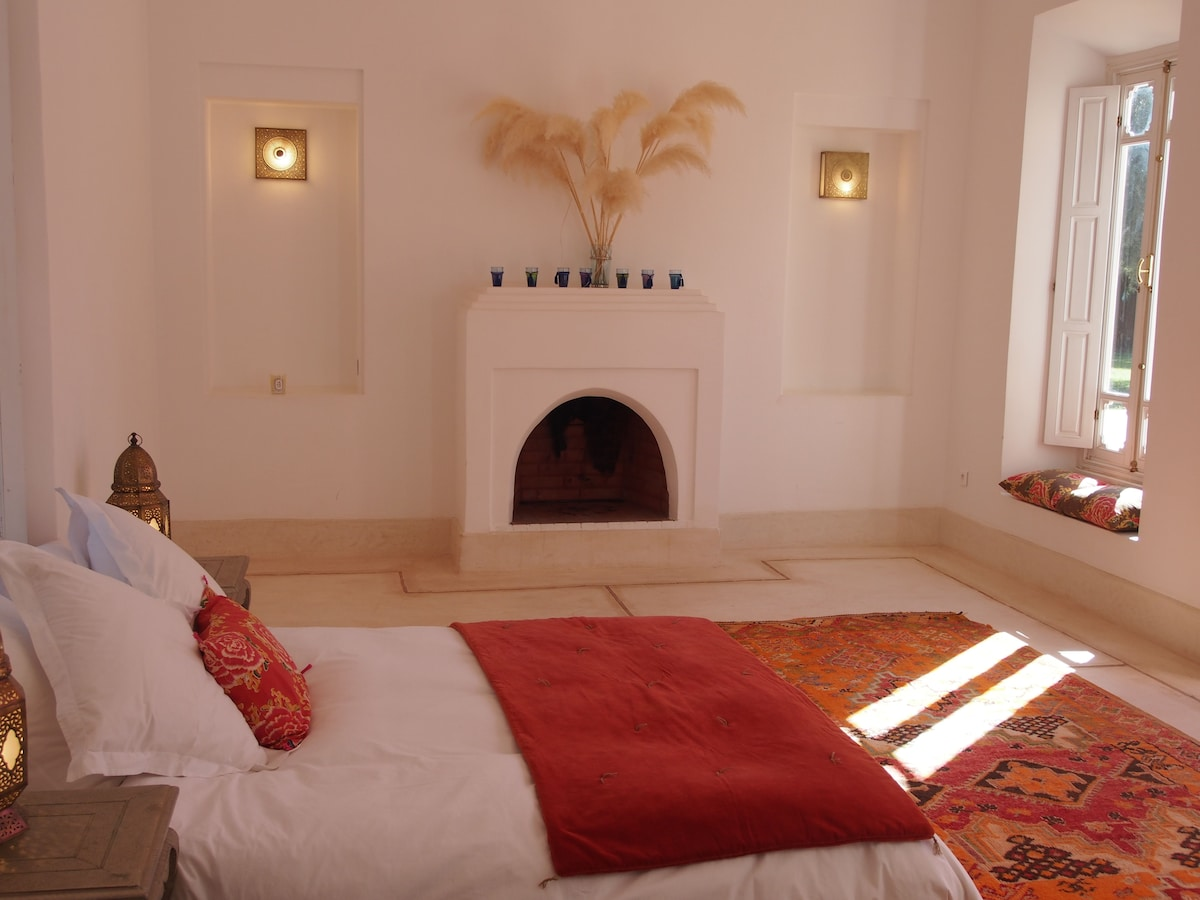 the medium bedroom accommodate 1 double bed and 2 singles if necessary