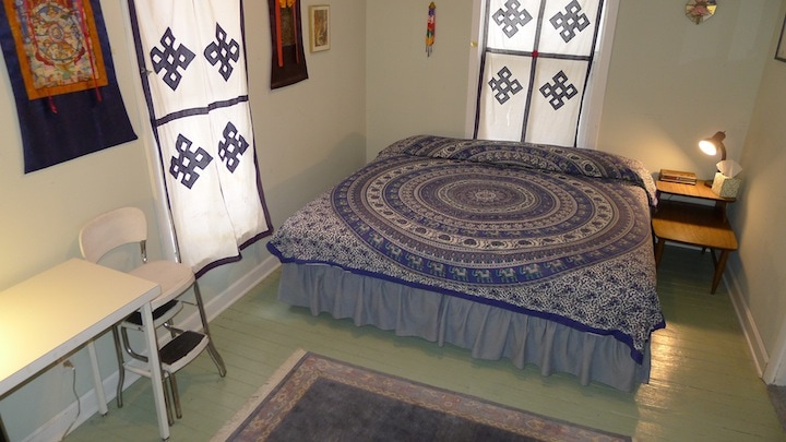The Good Karma Room with king bed that converts to twin beds
