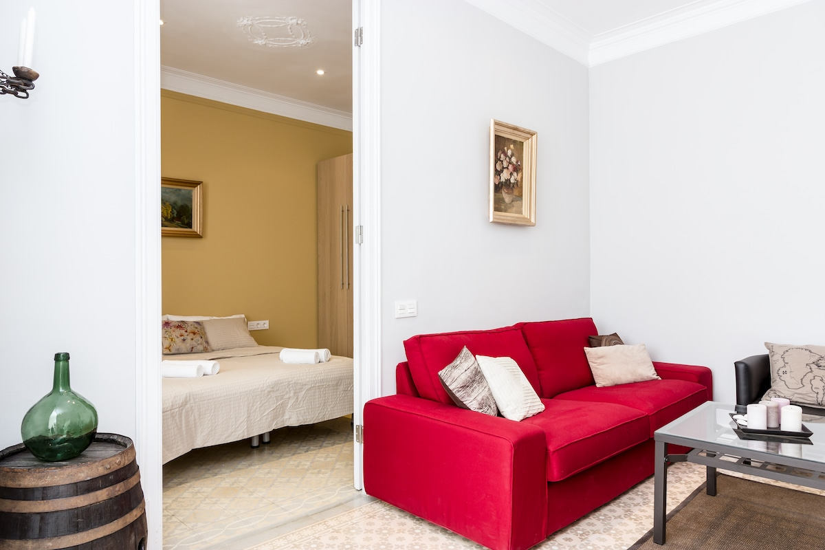 4 bedroom apt, centrally located