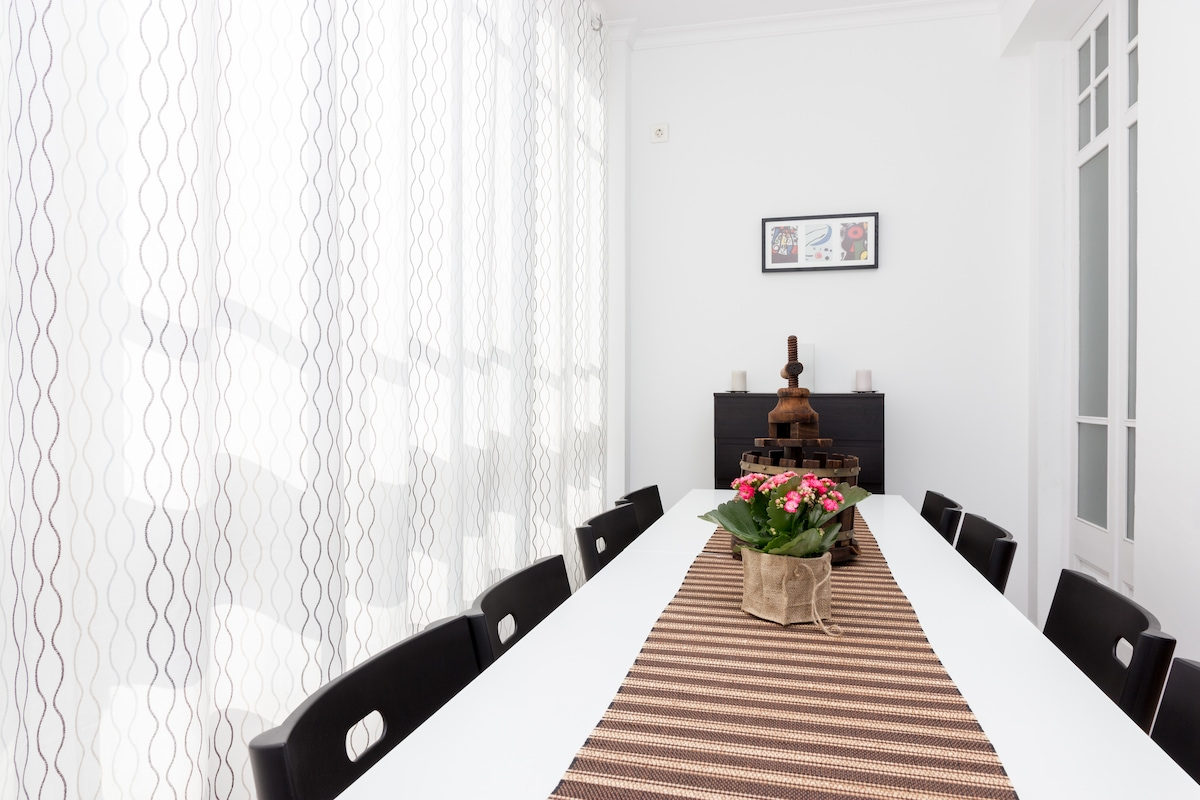 Dinning table for eight hungry travelers