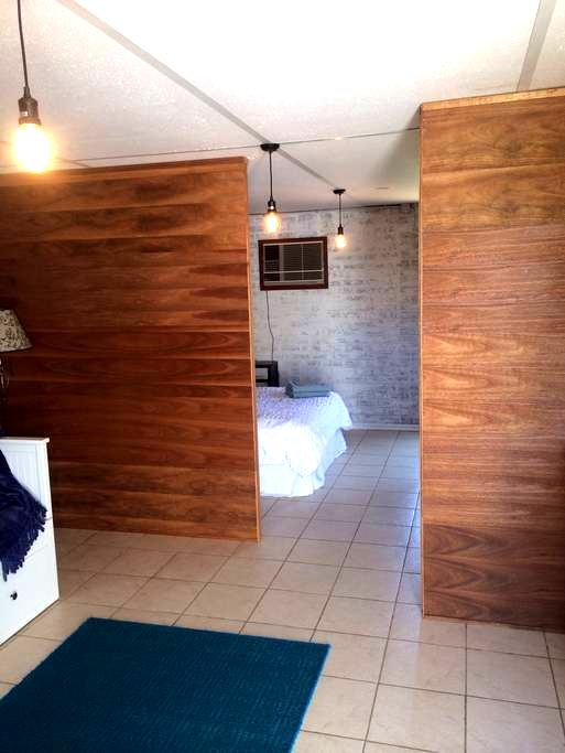 Calm, private studio near Fremantle - Spearwood