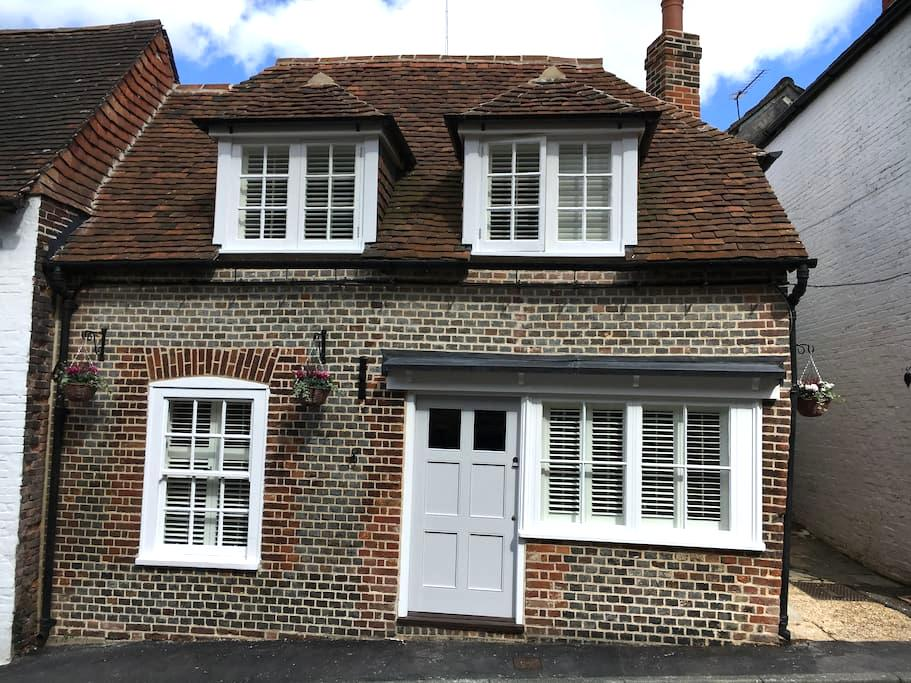 Charming Cottage in Medieval Town - Bishops Waltham