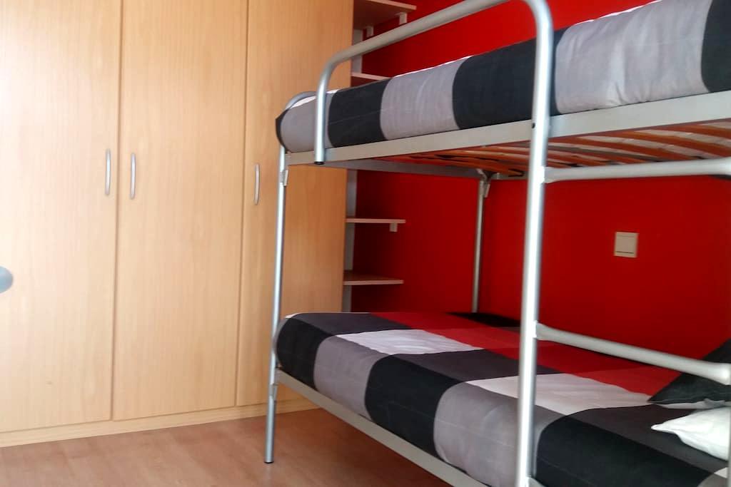 Gezellige, leuke,  centraal gelegen kamer te huur. - Oostende - Appartement
