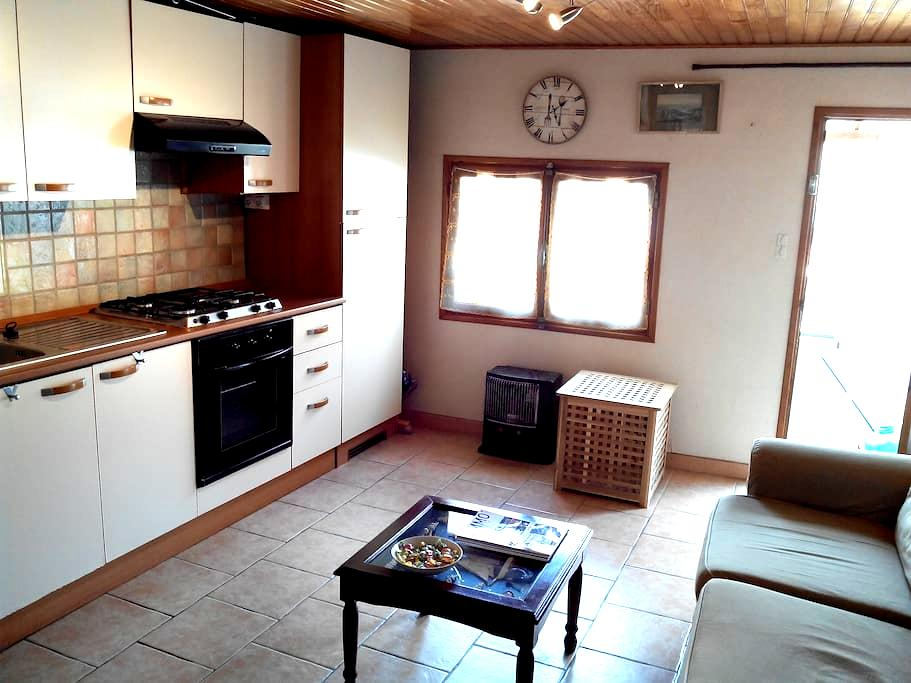 Tallard center- a charming village apartment . - Tallard - Leilighet