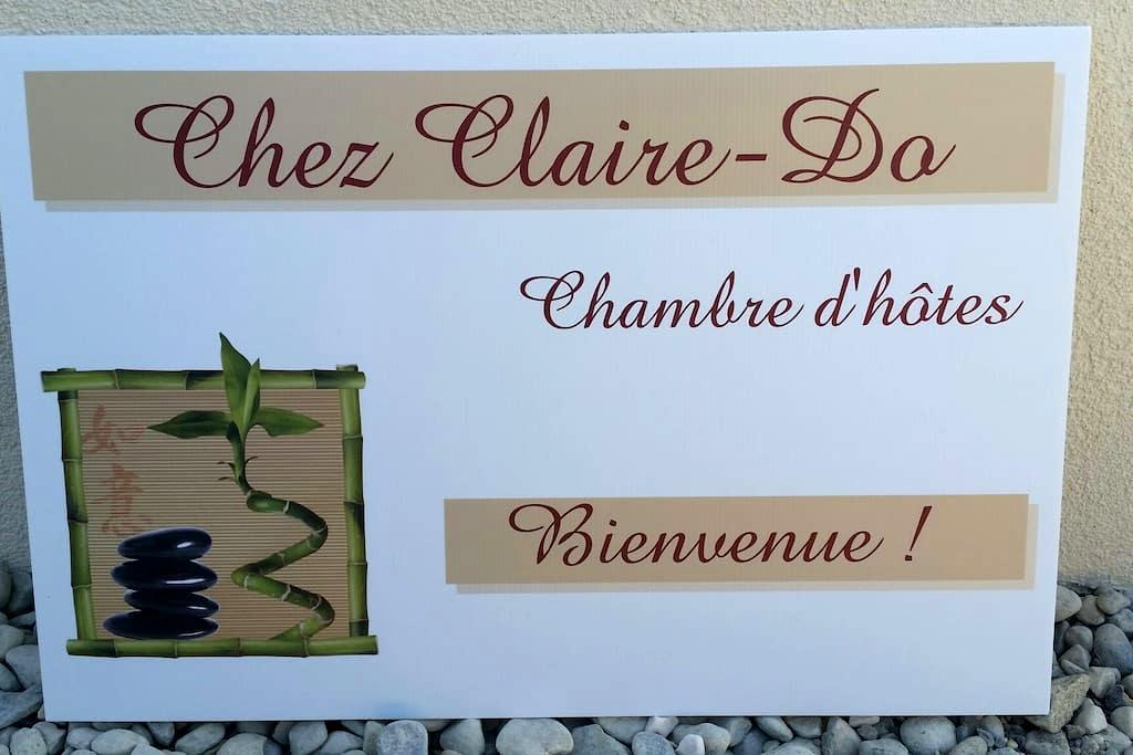 """""""Chez Claire-Do"""" Chambre d'hôtes - Farvagny - Casa"""