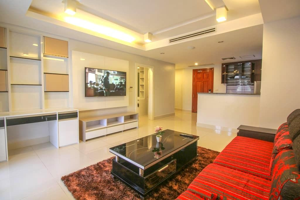 VIP Apartment with big Kitchen. Private. Central. - Krong Siem Reap - Apartamento