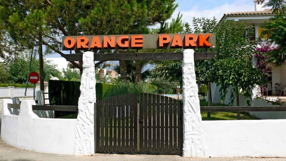 APARTMENTS/BUNGALOWS ORANGE PARK