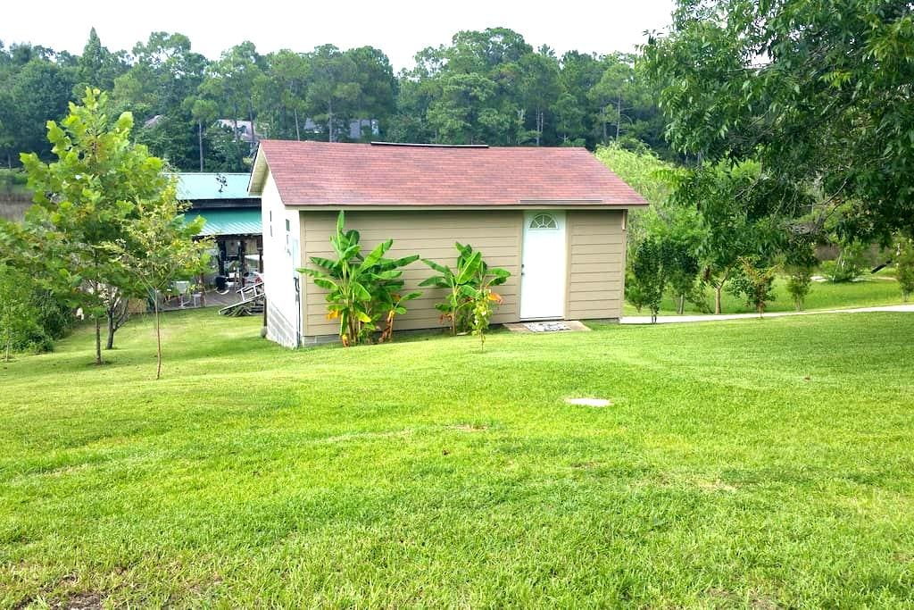 Bayou Cabin Fishing Camp - Gautier - Sommerhus/hytte