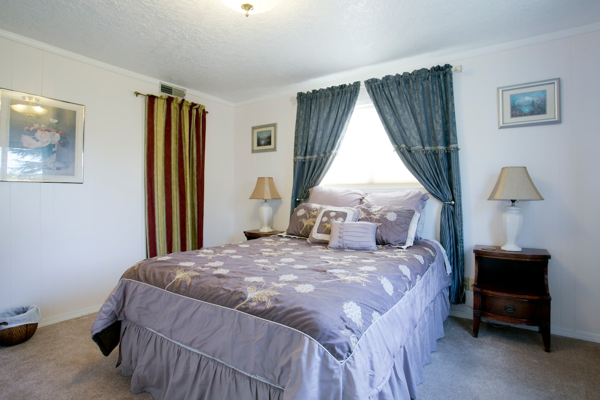 The Princess Suite has a Queen sized bed and walk in closet.