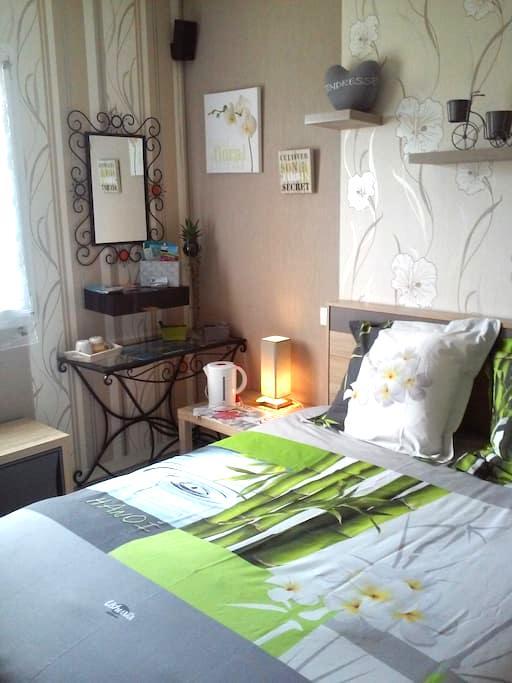 Chambre a 6 km de Dinard +petit dèj - Pleurtuit - บ้าน