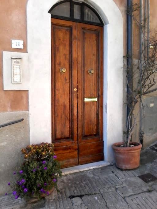 Bilocale vicino centro storico - Castagneto Carducci - 公寓
