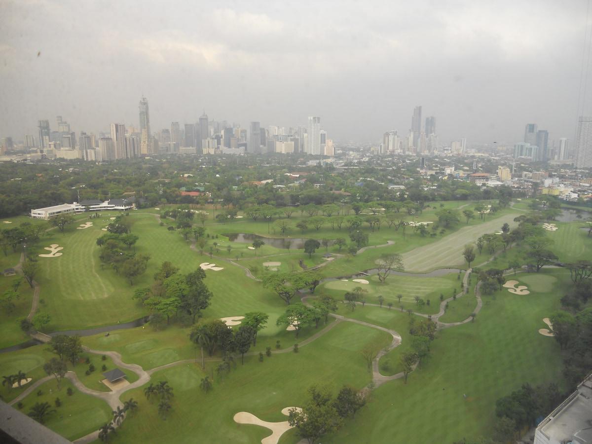 Spacious 1BR Bonifacio Global City