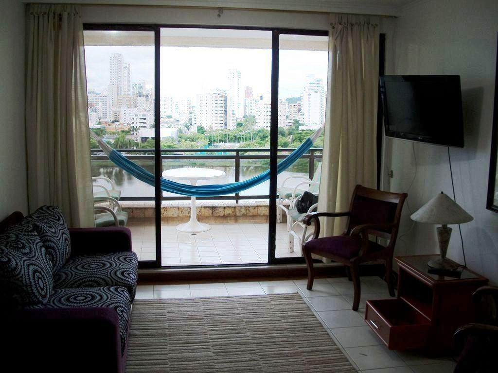 Apartamento con vista al mar. Área: 133m2 con garage privado + Piscina + BBQ + Playa a 2 cuadras..