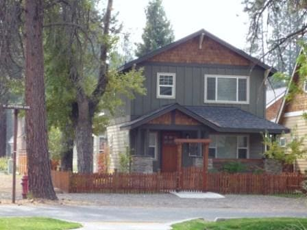 Quality Craftsman Home in the Heart of Sisters:  3 Bedrooms 2 1/2 Baths