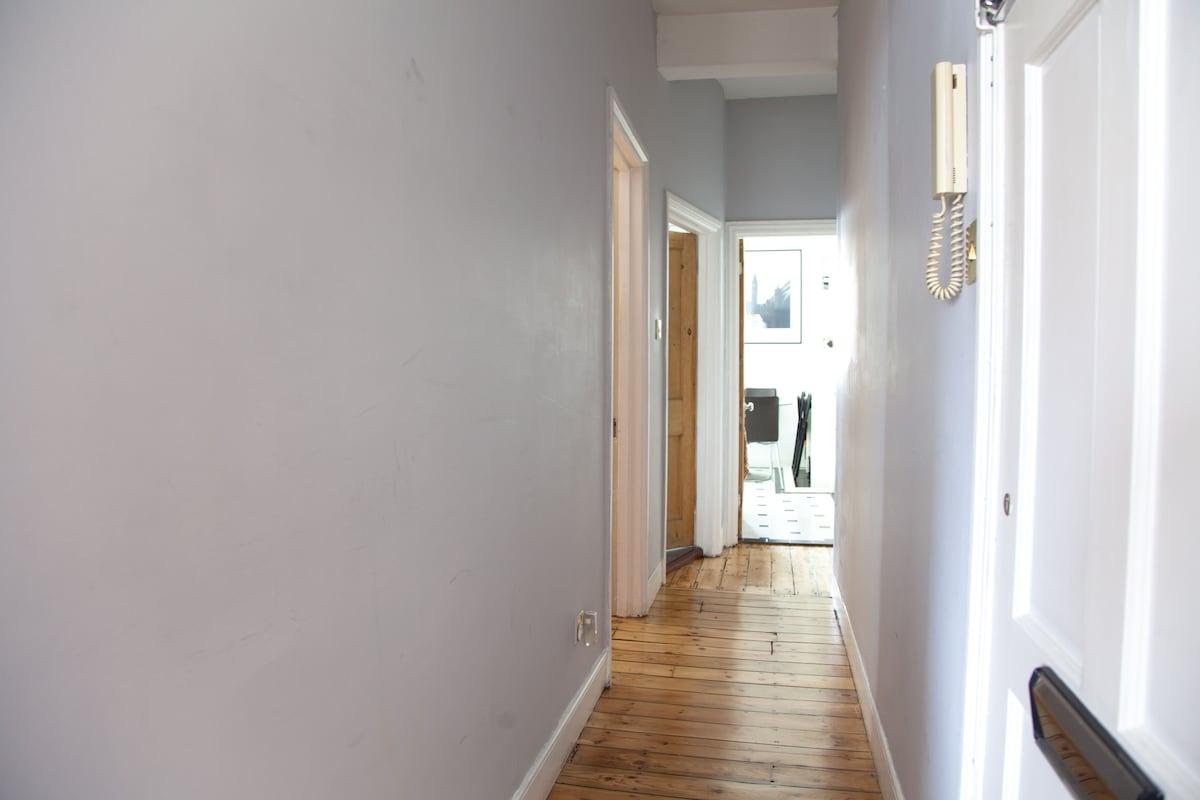 Comfy 1 (2) Bedroom Flat - Clapham