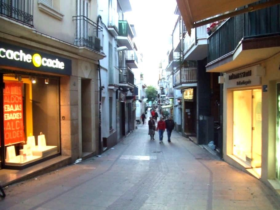 Nice Apartment in  town center - Sitges - Apartamento