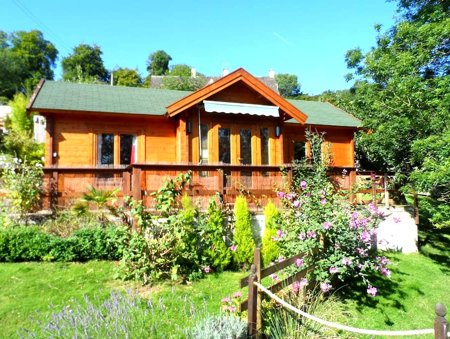 Cosy cabin next to Bownham Common - Stroud - 통나무집
