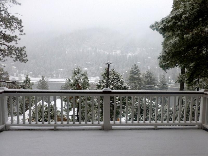 Snowfall in Crestline. A winter wonderland!