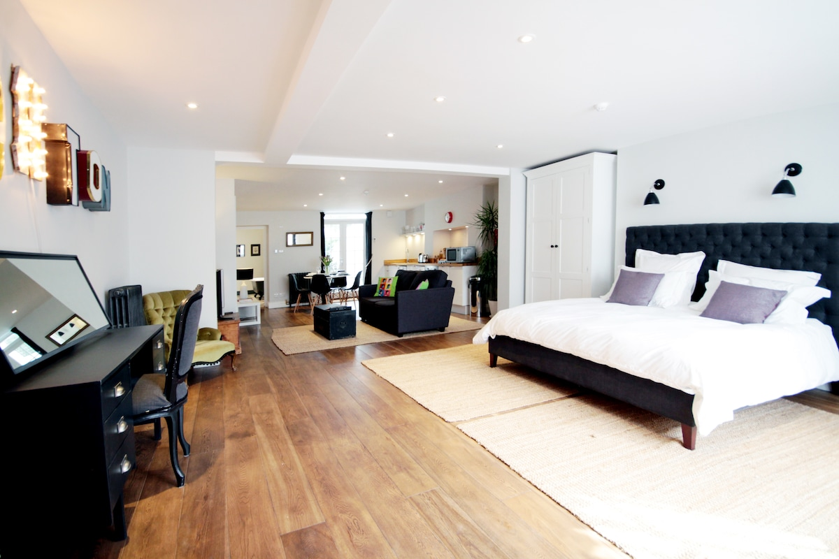 Royal Crescent Seafront Apartment