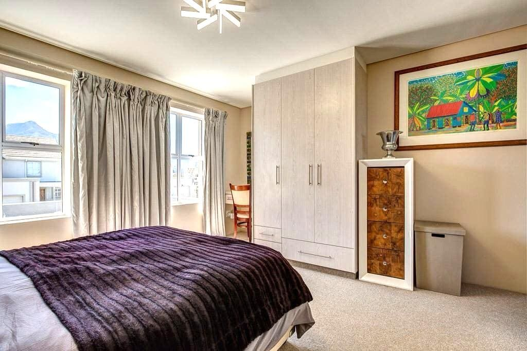 The Crown in Kingswood Golf Estate - George - Maison