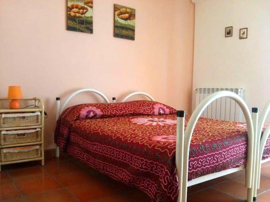 Appartamento in villa immersa nel verde - Ragalna - Flat