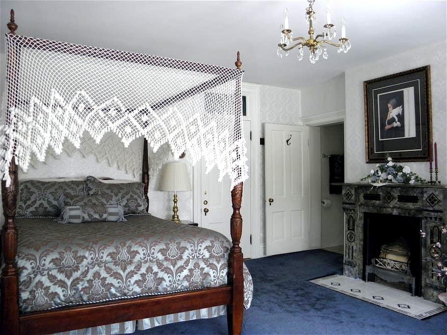 Barrister Suite - Helena - Maison