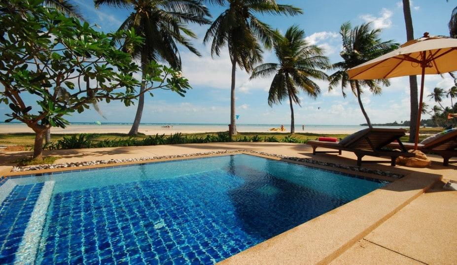 Luxury beachfront 2 bed in Samui