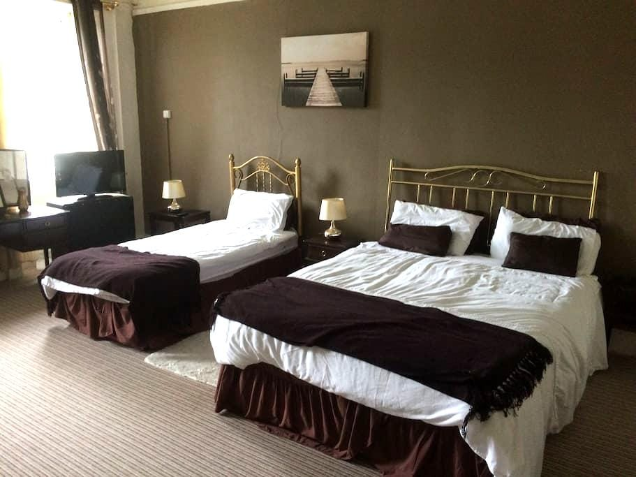 The Manor Guest House, Family room, Fermoy, Cork - Fermoy - Rumah Tamu