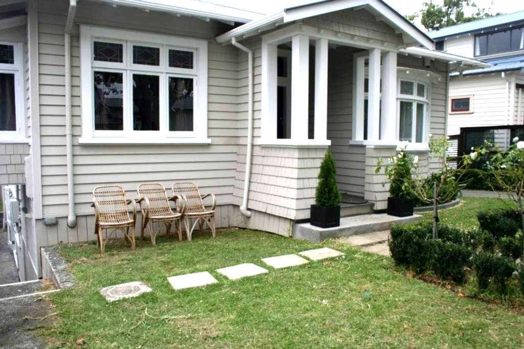 One bedroom spacious apartment - Auckland - Bungalov