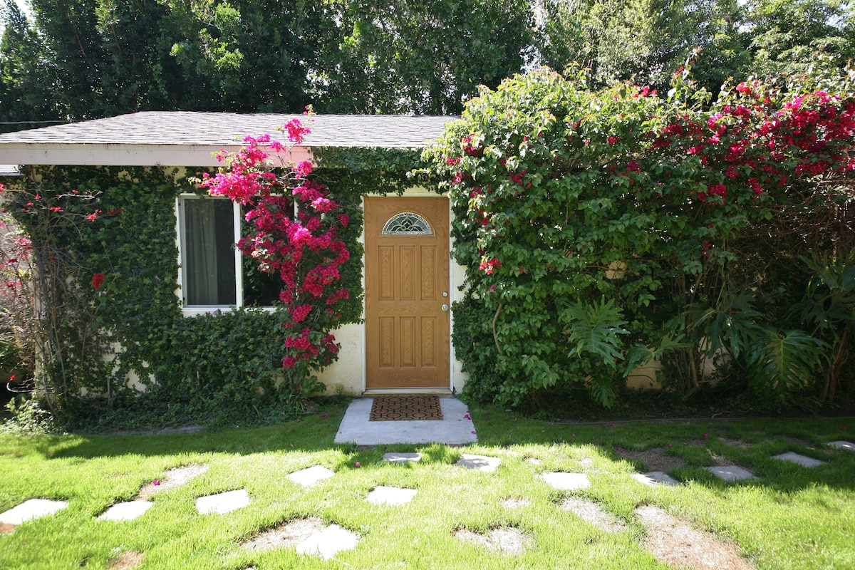 furnished guest house near Studios