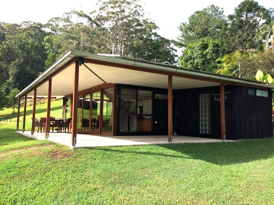 Hidden Valley Cabin - Maleny