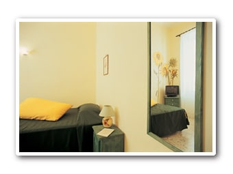 The Sunflowers room with a  three quarter bed max two people
