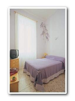 the glycine's room, three quarter bed, max 2 people