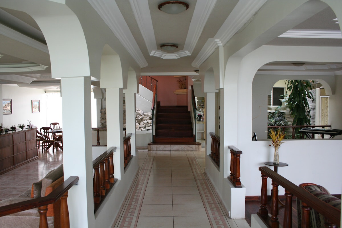 Entrance to Grand Salon and Public Areas