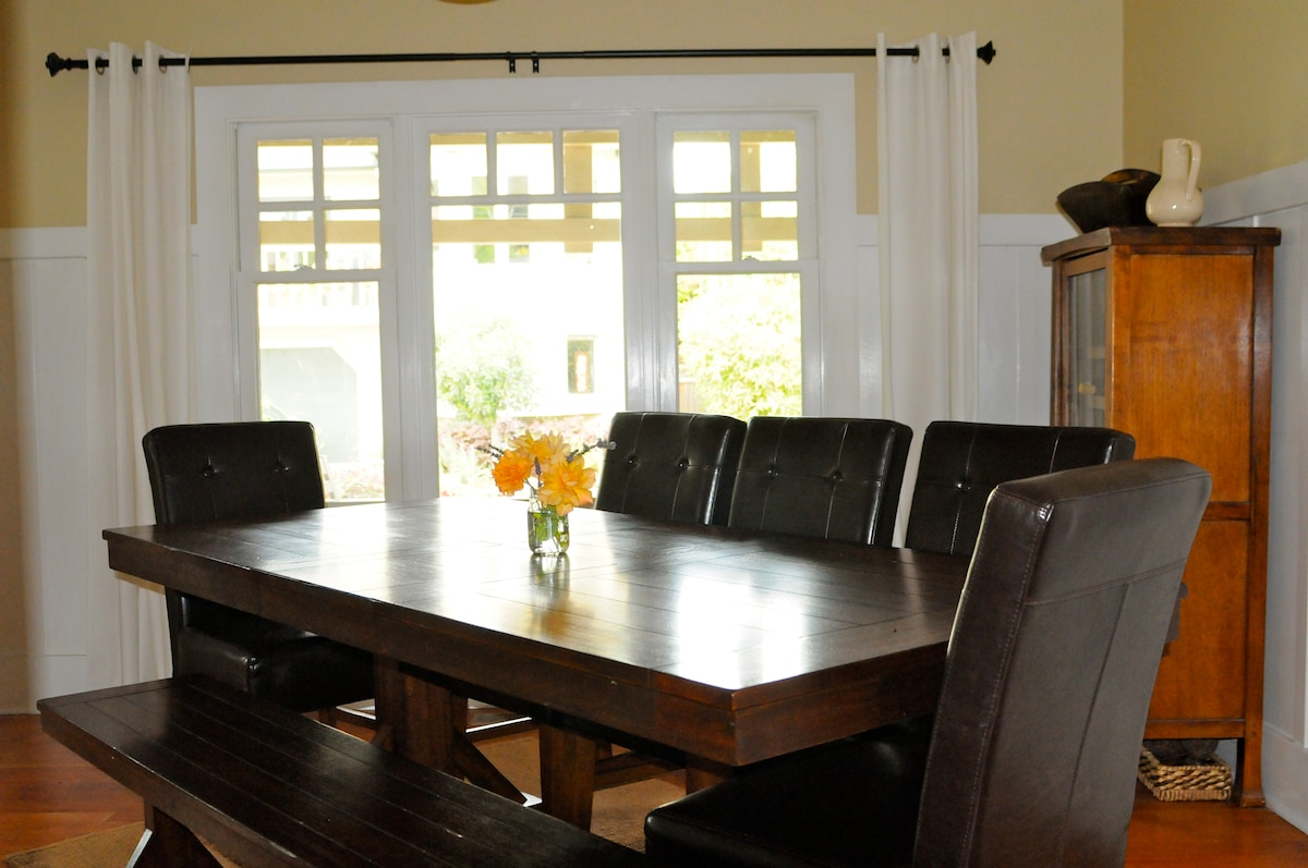Plenty of space to share a meal or enjoy a board game together!